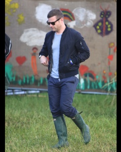 Glastonbury Festival 2015 - Day 3 - Celebrity Sightings Featuring: Dermot O'Leary Where: Somerset, United Kingdom When: 26 Jun 2015 Credit: David Sims/WENN.com