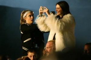 Kendall-Jenner-Cara-D-Glasto-PA